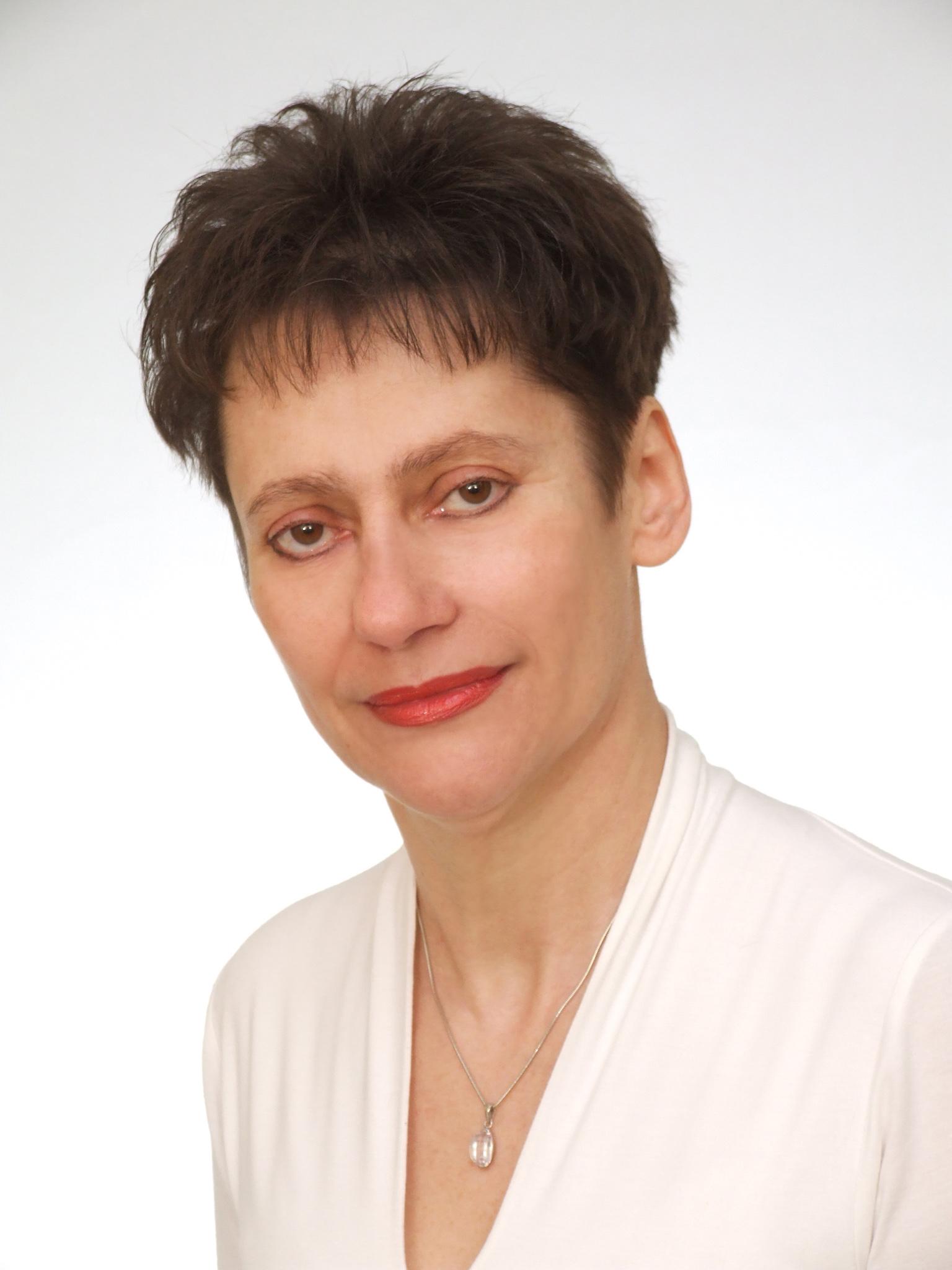 """Grażyna Tuchmacher, autorka książki """"Zdrowe odżywianie i higiena kobiety ciężarnej"""""""