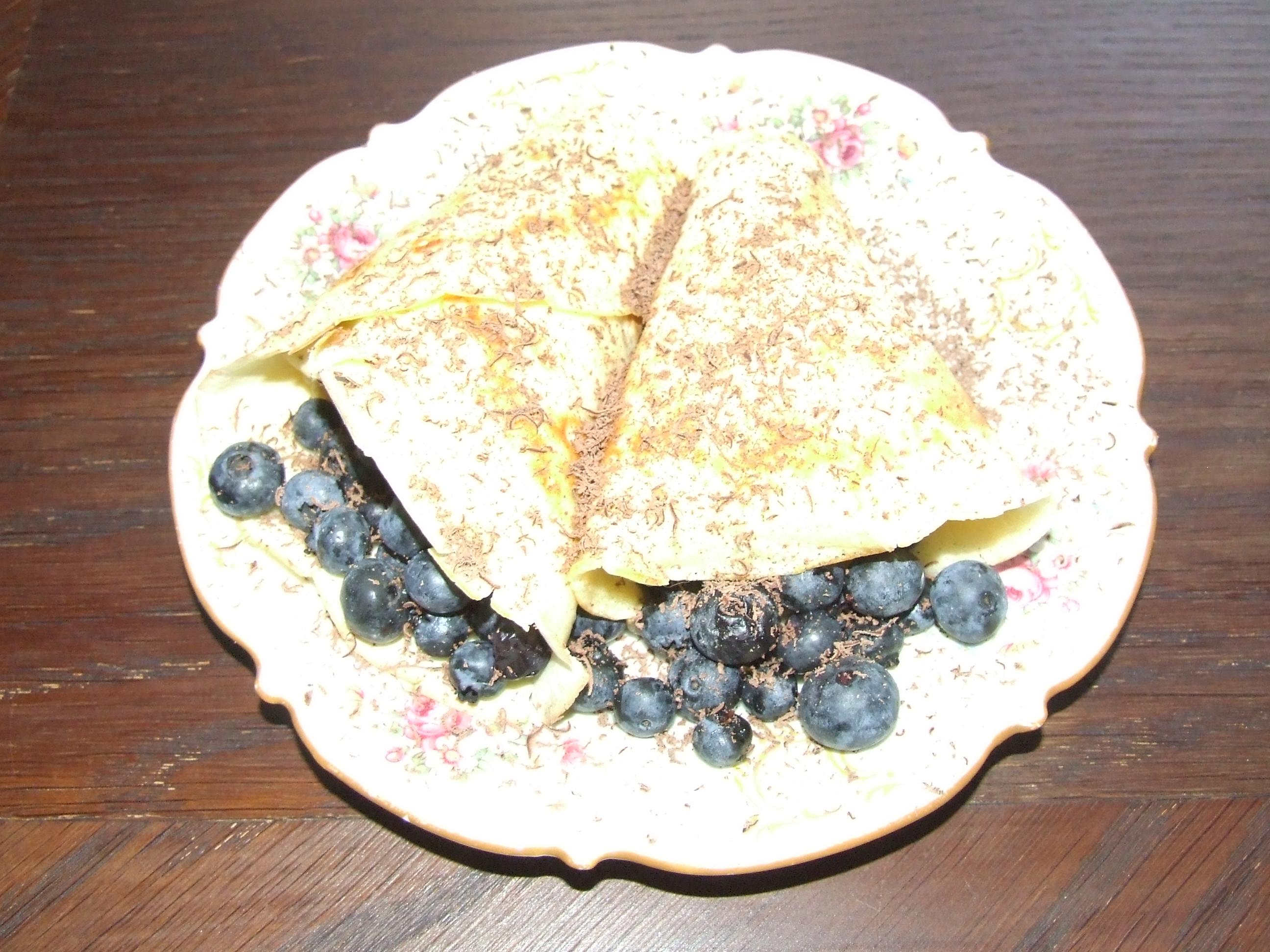 Zdrowe odżywianie w ciąży - naleśniki z owocami