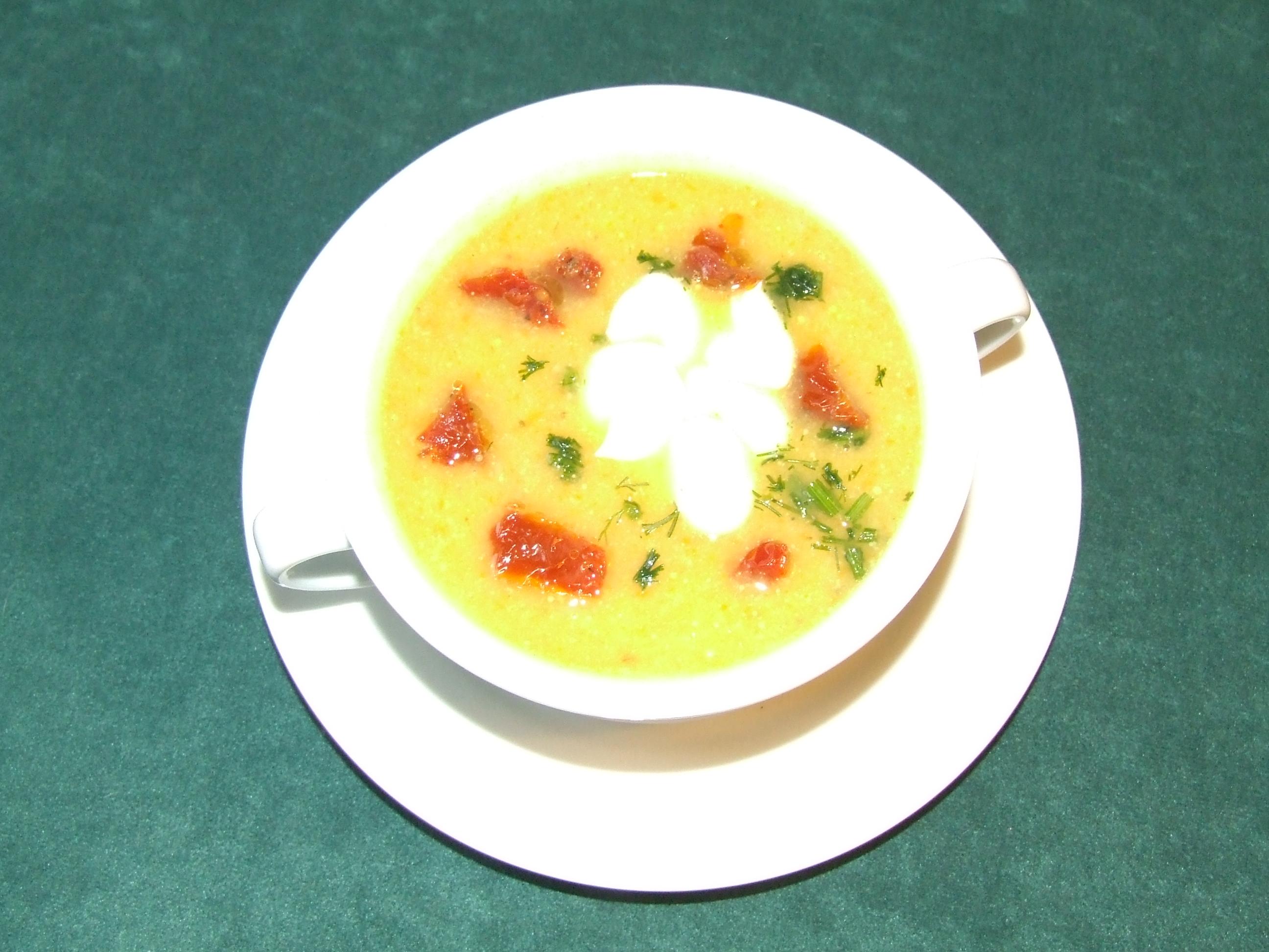 Krem wielowarzywny z suszonymi pomidorami