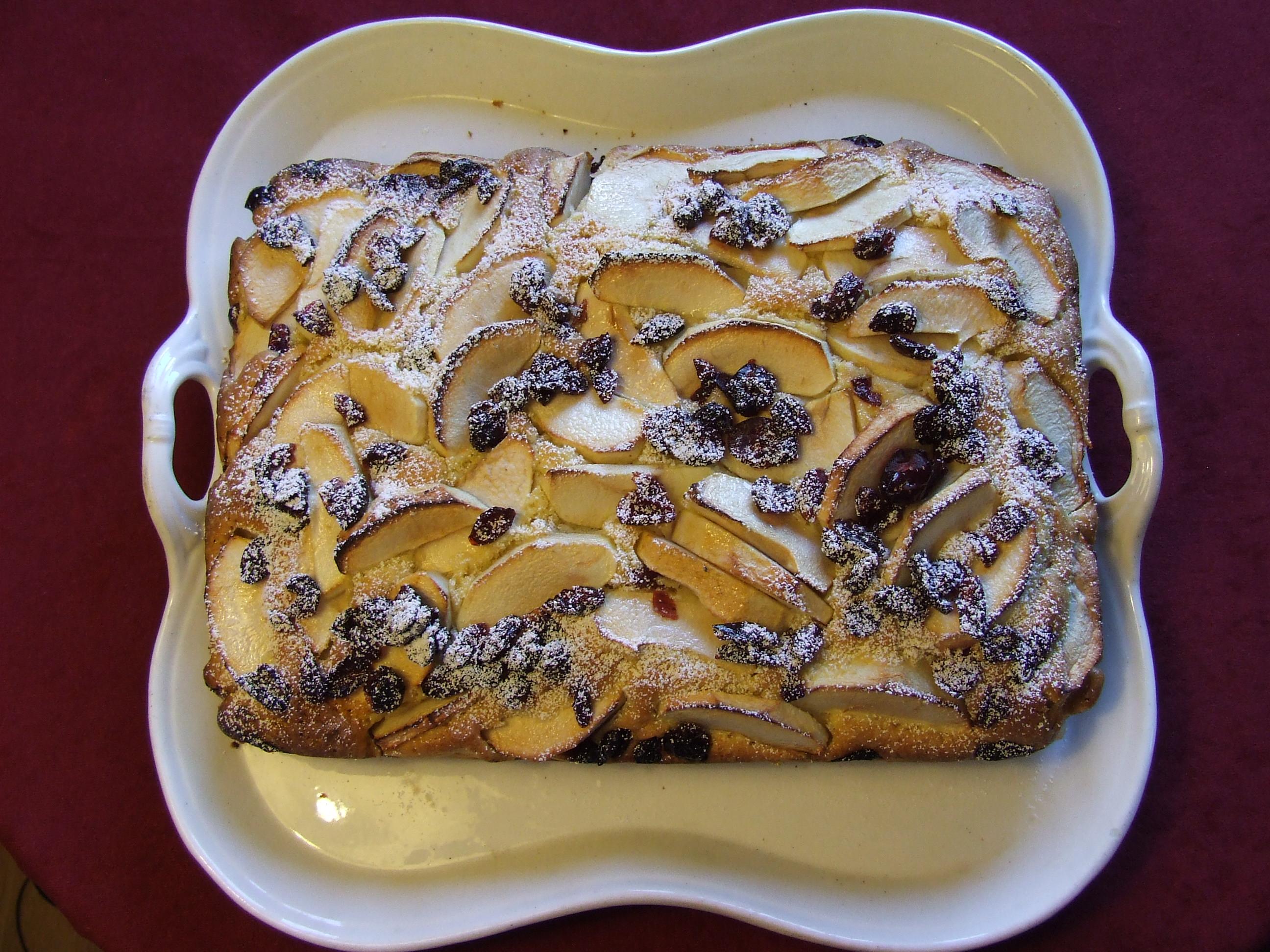ciasto z jabłkami i żurawiną