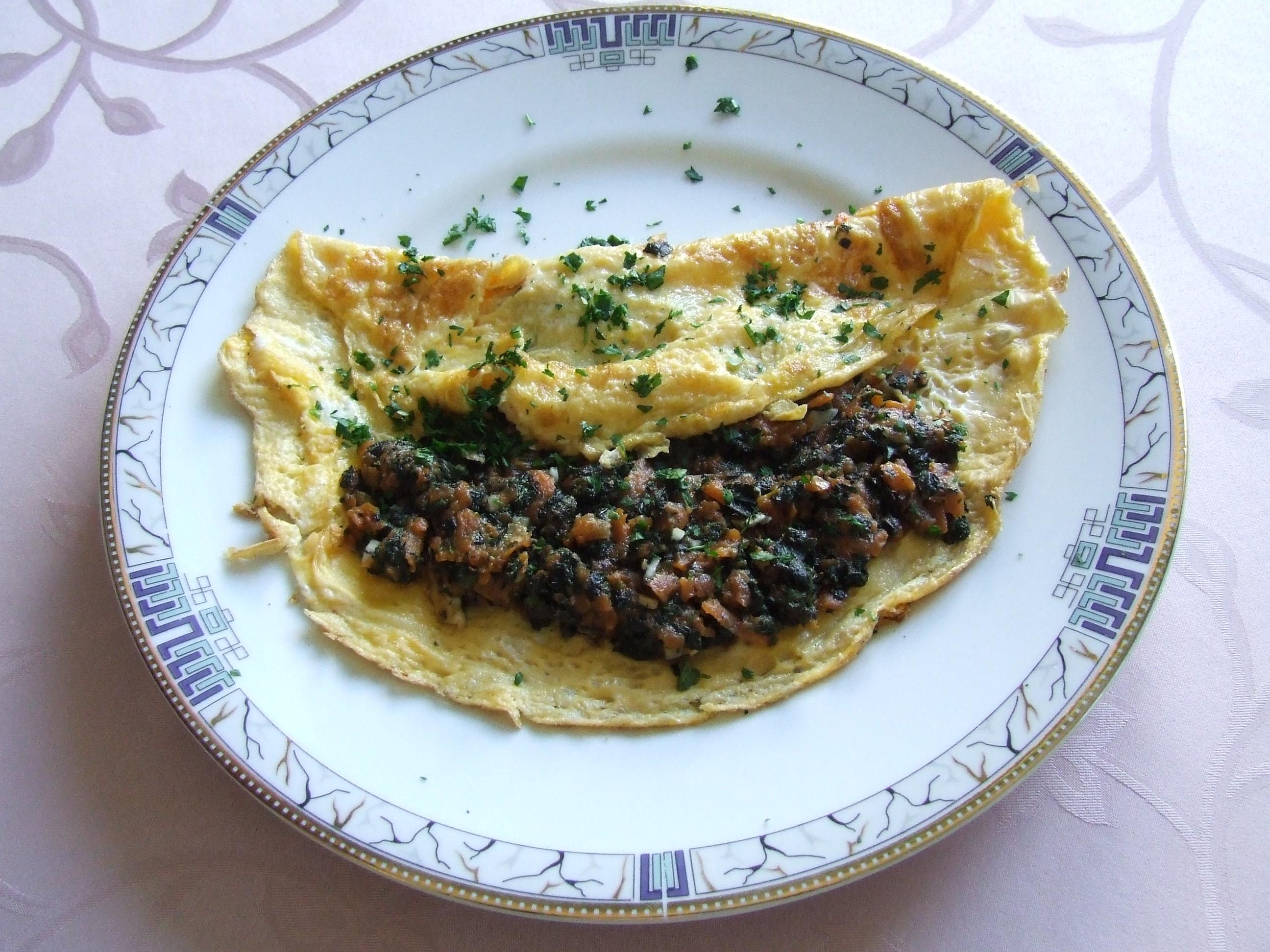 omlet z nadzieniem pokrzywowym
