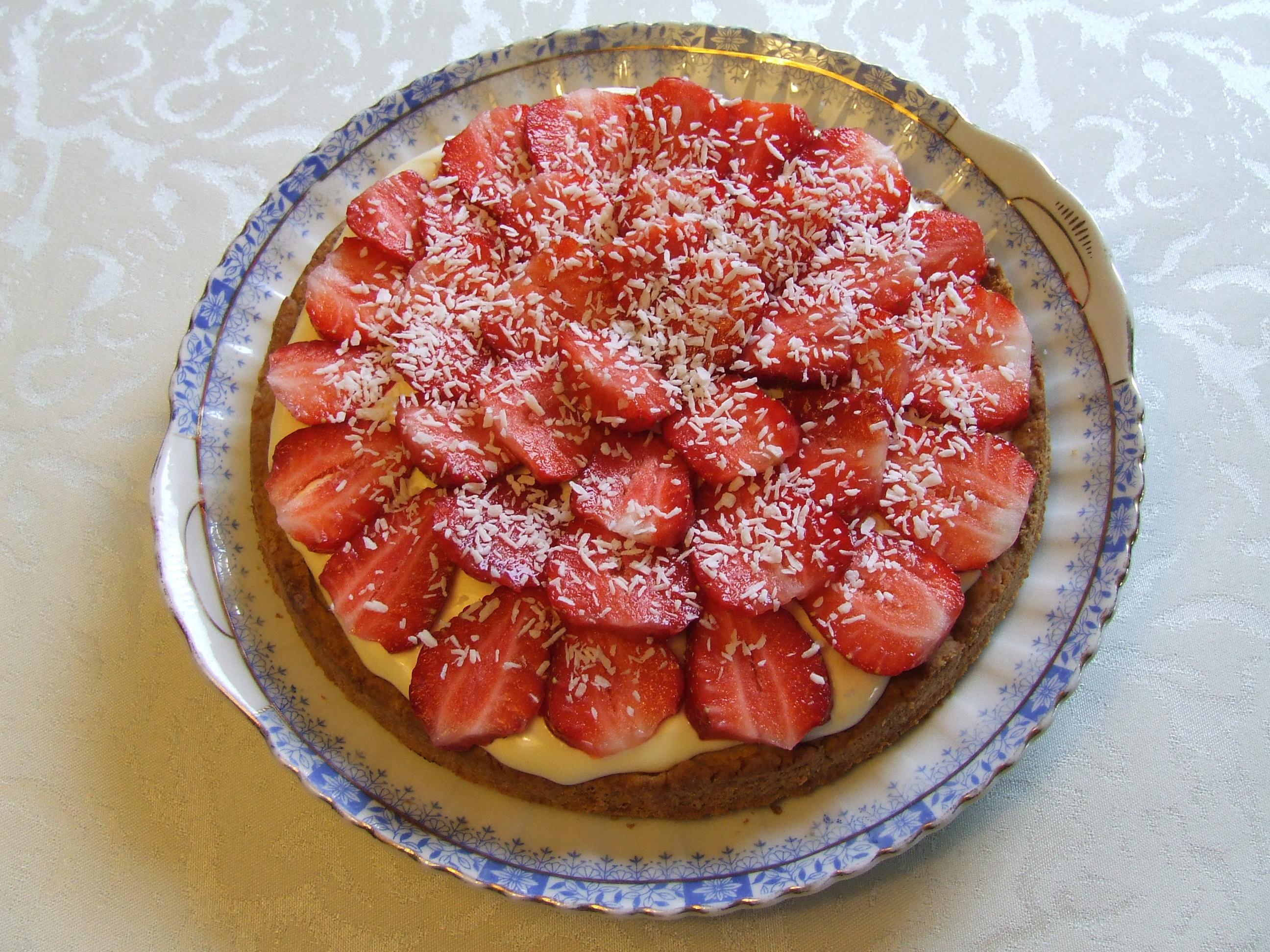 tarta z mascarpone i truskawkami
