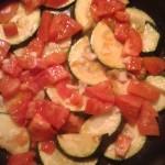 cukinia z pomidorami